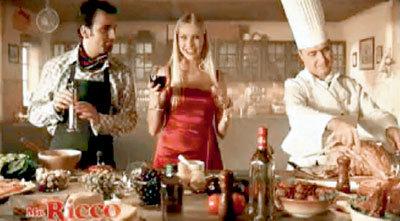 Российские актёры в рекламе несут абракадабру на «итальянском», а голос за кадром «переводит» их пошлые шуточки о яйцах. На самом деле майонез производится на Казанском жировом комбинате