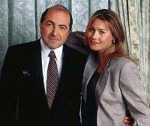 Уже 15 лет олигарх живет в гражданском браке с Еленой Горбуновой.