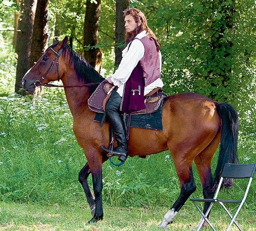 Актеру лошадь к лицу