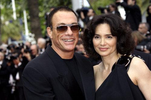 В мае этого года ВАН ДАММ приехал на Каннский кинофестиваль с законной супругой Глэдис ПОРТУГЕС