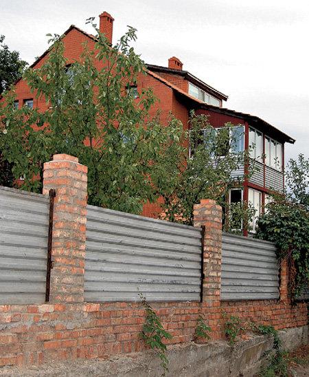 Дом телеведущего в Каменск-Шахтинске позавидовал бы даже поросёнок Наф-наф
