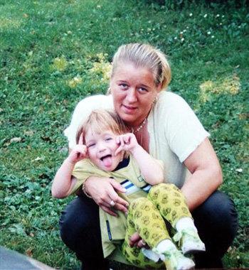 В дочурке женщина души не чаяла
