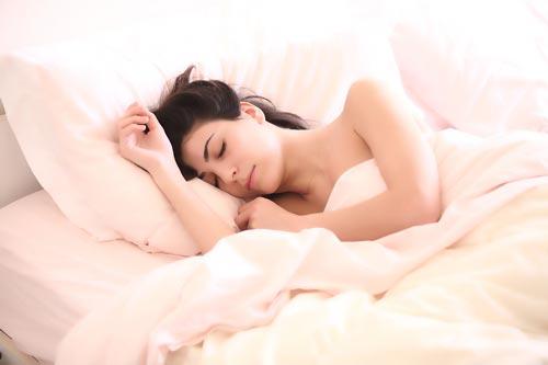 Сон в одиночестве – залог душевного комфорта? Фото: pixabay.com