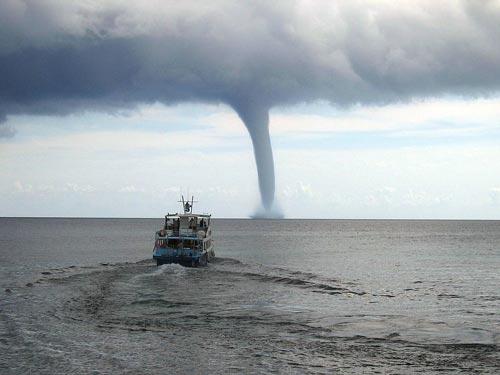 Торнадо возле Майорки. wikipedia