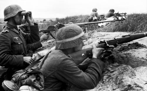 Немецкие солдаты ведут бой под Воронежем. wikipedia