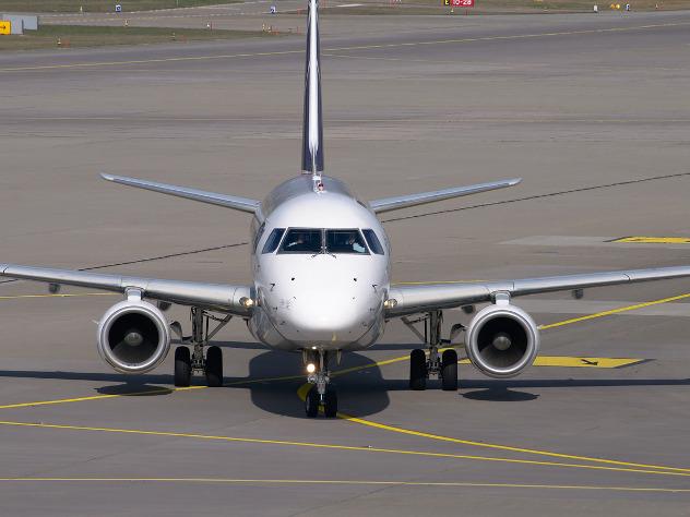Ваэропорту Краснодара эвакуируют пассажиров