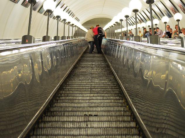 Станция московского метро «Китай-город» закрыта потребованию милиции