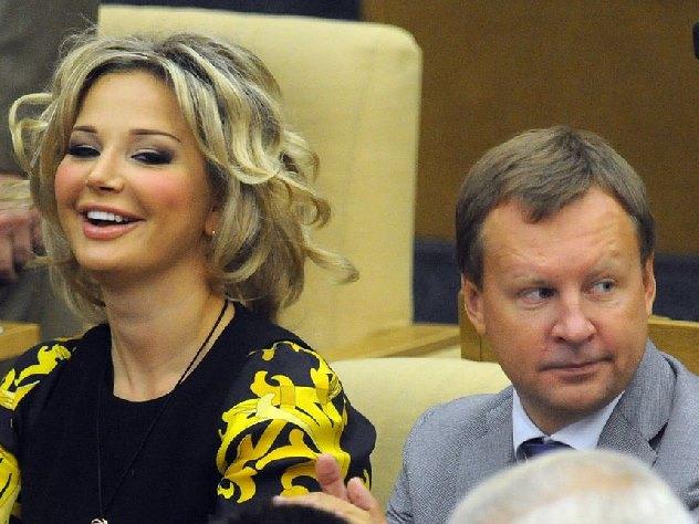 Молодая любовница подозревает Максакову вубийстве Вороненкова