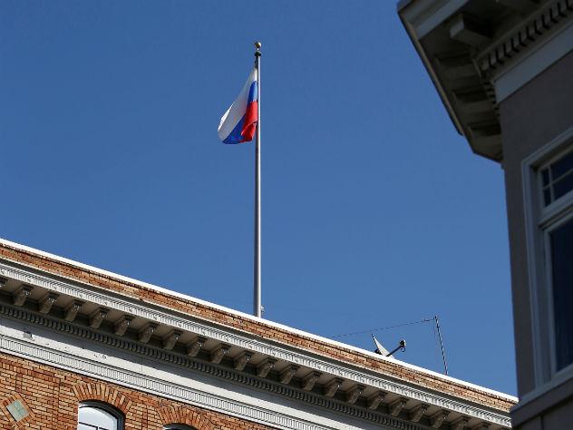 РФ направила США протест из-за срыва флагов вСан-Франциско
