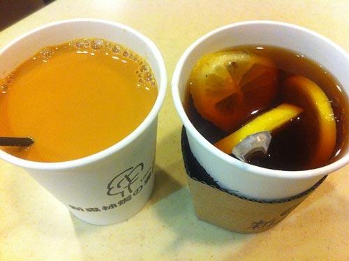 Кофе с молоком и кофе с лимоном способствуют потере веса. wikimedia