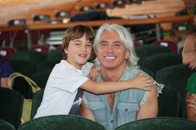 Оперный певец Дмитрий Хворостовский с сыном Максимом
