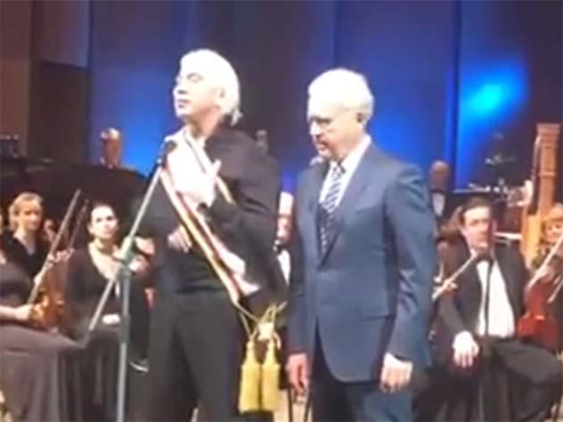 Хворостовский на заключительном концерте вродном Красноярске пообещал вернуться