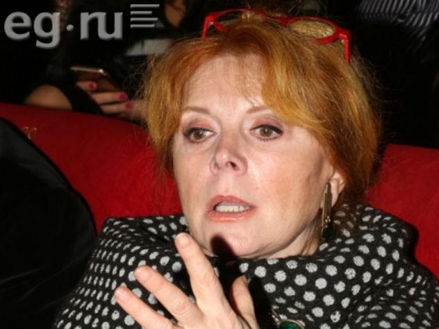 Клара Новикова поведала , как ревнивый супруг  разбил ейлицо