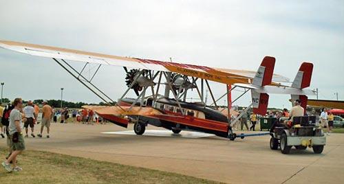 Современная копия двухмоторного самолета-амфибии С-38 на авиашоу «AirVenture», 2006 год. Источник: wikipedia.org