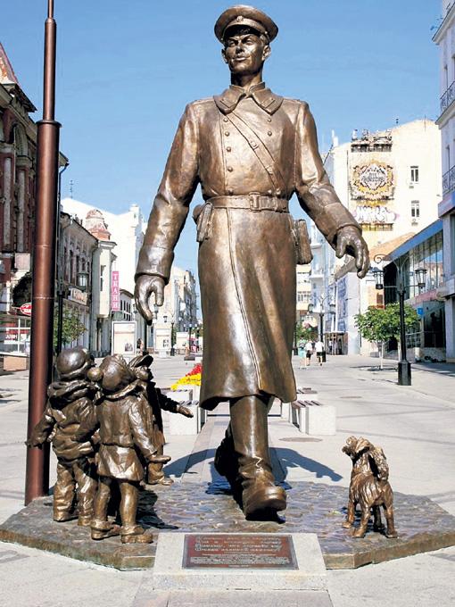 Дядя Степа стал символом милиционера, одним из самых положительных и популярных образов советской литературы. Дети перестали бояться людей в форме и захотели носить такую же