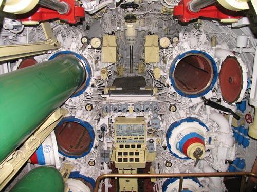Первый (торпедный) отсек подводной лодки. Источник: wikimedia.org