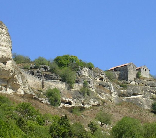.Древний пещерный город Чуфут-Кале
