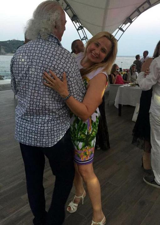 В Крыму Илья и Ирина ходят по дискотекам, точно тинэйджеры