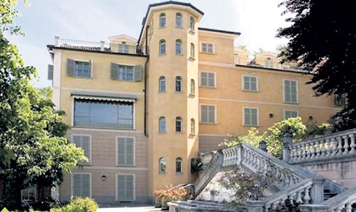 Этот особняк в Турине Криштиану арендовал на время выступлений за «Ювентус»