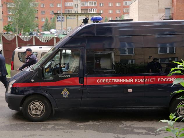 Следственный комитет выясняет причины обрушения плит на лестнице одного из домов в Москве