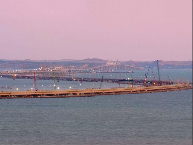 Украинские суда испугались российских кораблей в Керченском проливе