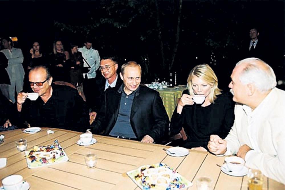 Та самая встреча Владимира Путина с Никитой Михалковым и его гостями - Джеком Николсоном и Петой Уилсон