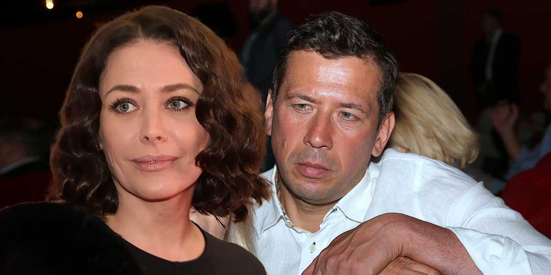 Андрея Мерзликина и Катю Волкову шантажируют мошенники