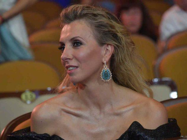 Соблазнительная Наталья Анисимова – Я Счастлив (2020)