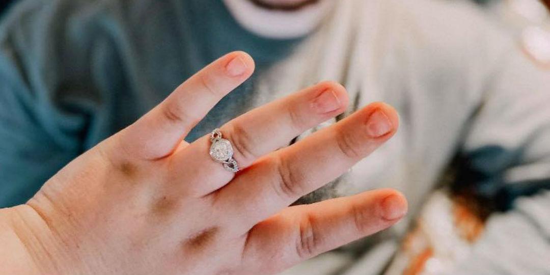 Ужасные кольца и маникюр невест