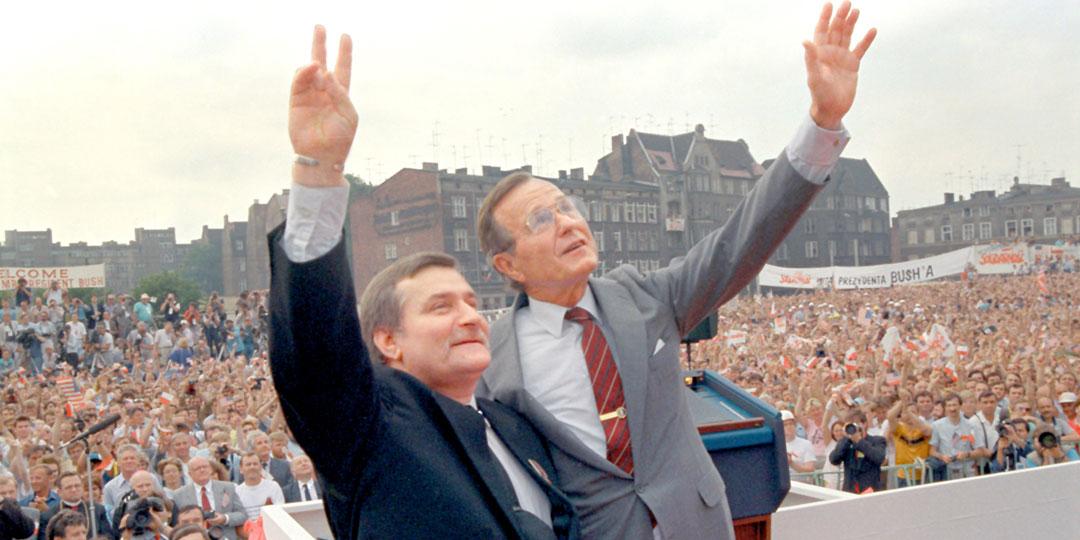 Лех Валенса со своим главным начальником - президентом США Джорджем Бушем. Фото:© «ИТАР-ТАСС»